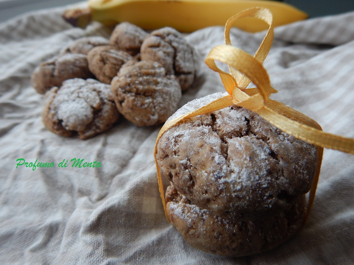 Biscotti al miele banana e cioccolato